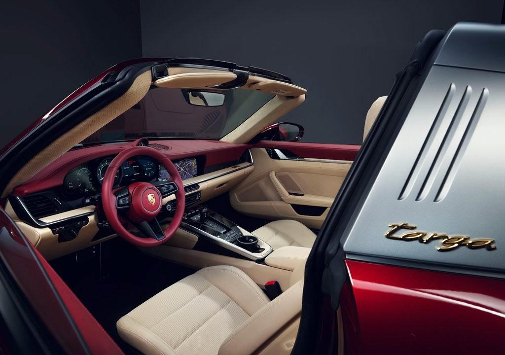 2021 Porsche 911 Targa 4S Heritage Design Edition Kokpiti