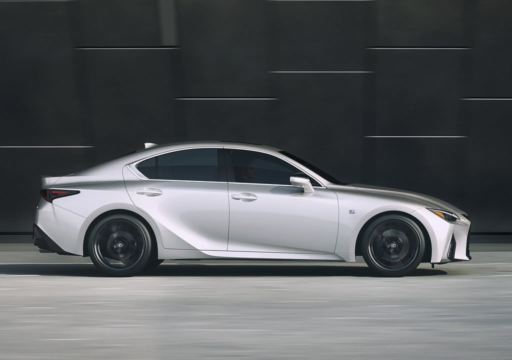 2021 Yeni Lexus IS