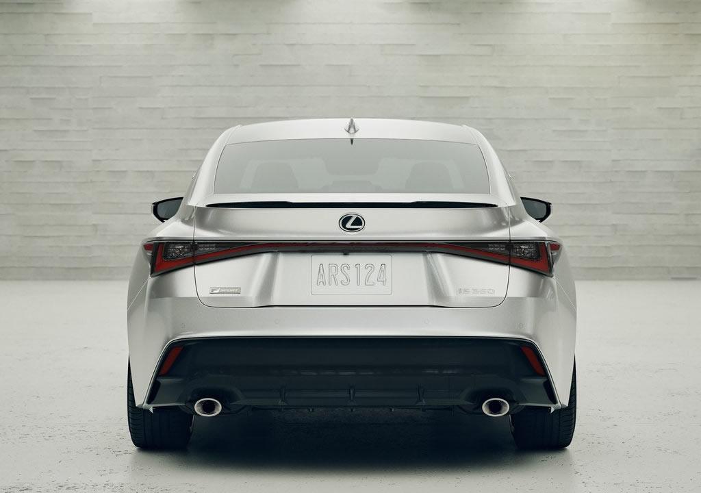 2021 Yeni Lexus IS Fotoğrafları