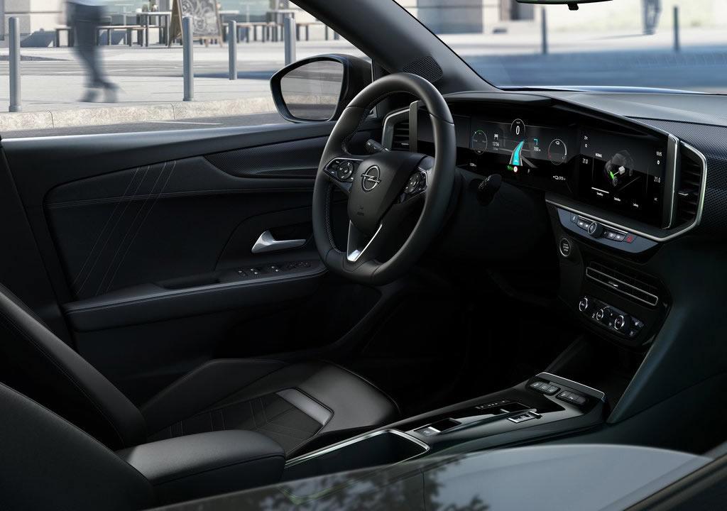 2021 Yeni Opel Mokka-e Kokpiti