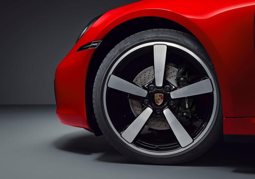 Yeni Porsche 911 Targa 4