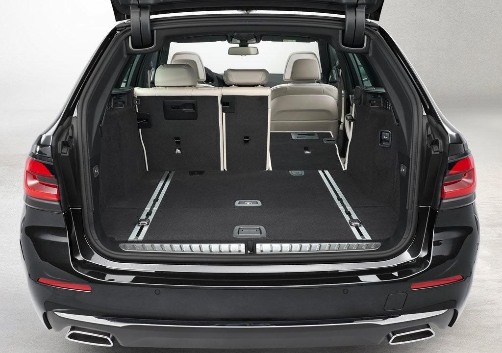 2021 Yeni BMW 5 Serisi Touring Bagaj Alanı