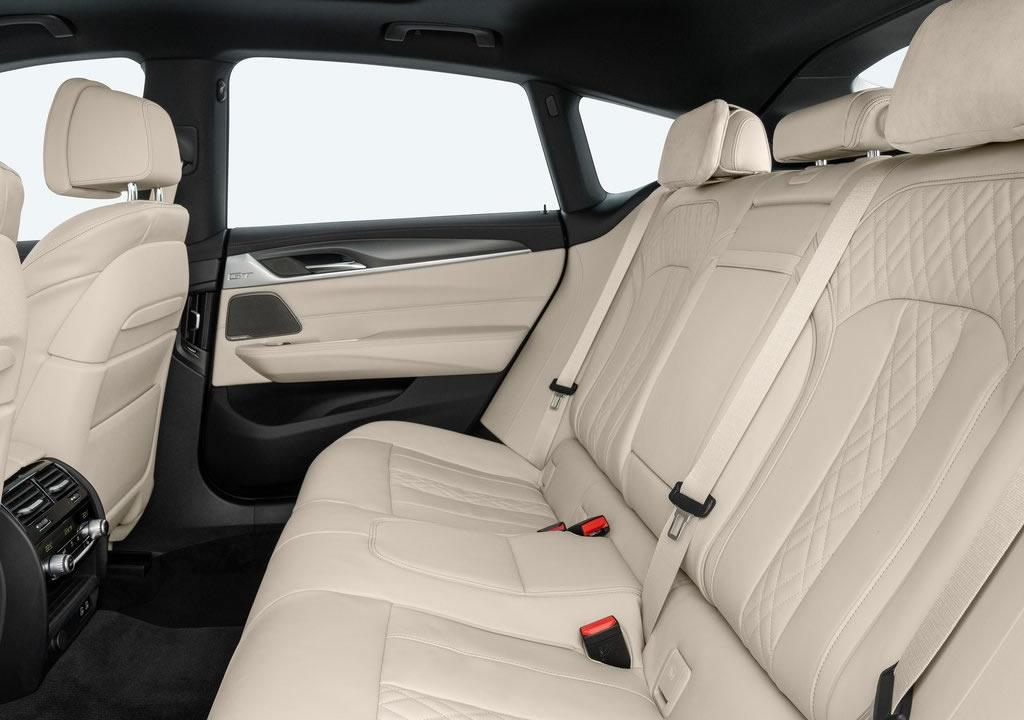 Makyajlı 2021 BMW 6 Serisi Gran Turismo Diz Mesafesi