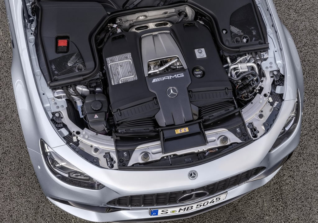 Makyajlı 2021 Mercedes-AMG E63 Motoru