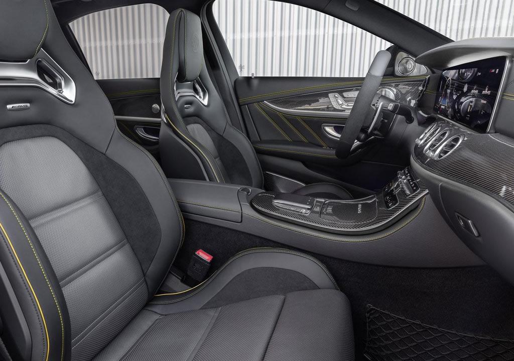 Makyajlı 2021 Mercedes-AMG E63 İçi