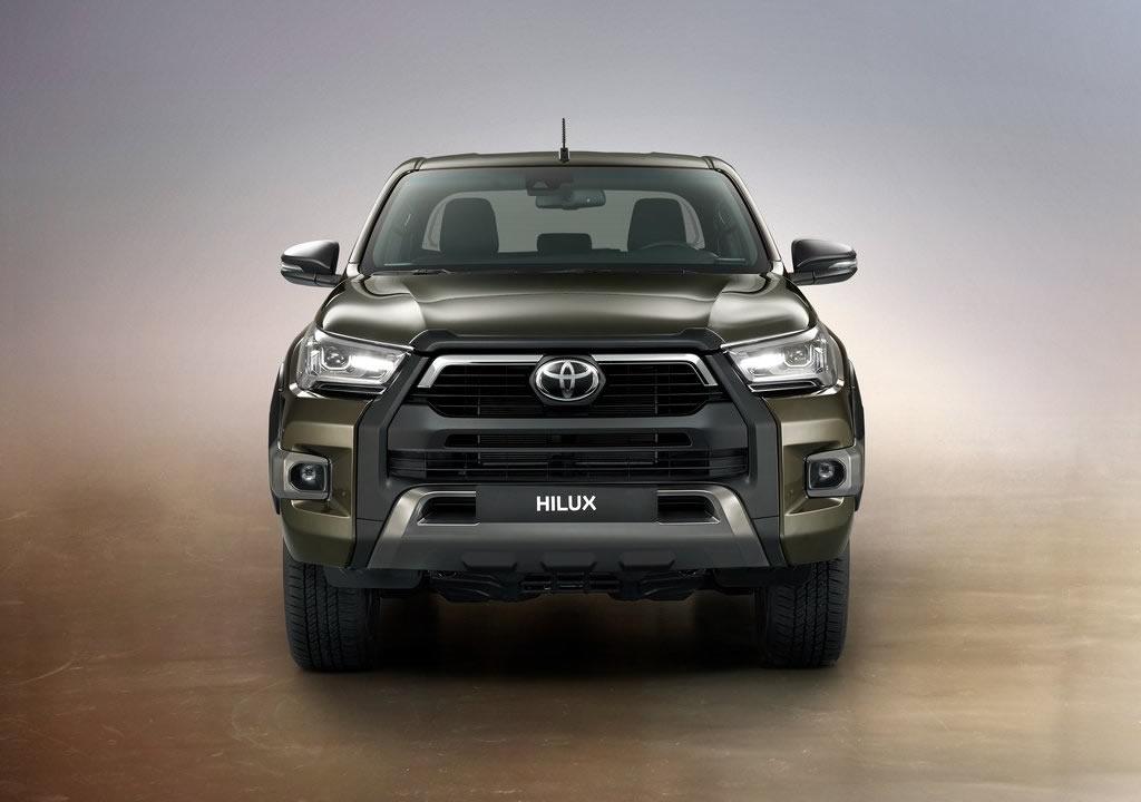 Makyajlı 2021 Toyota Hilux Türkiye