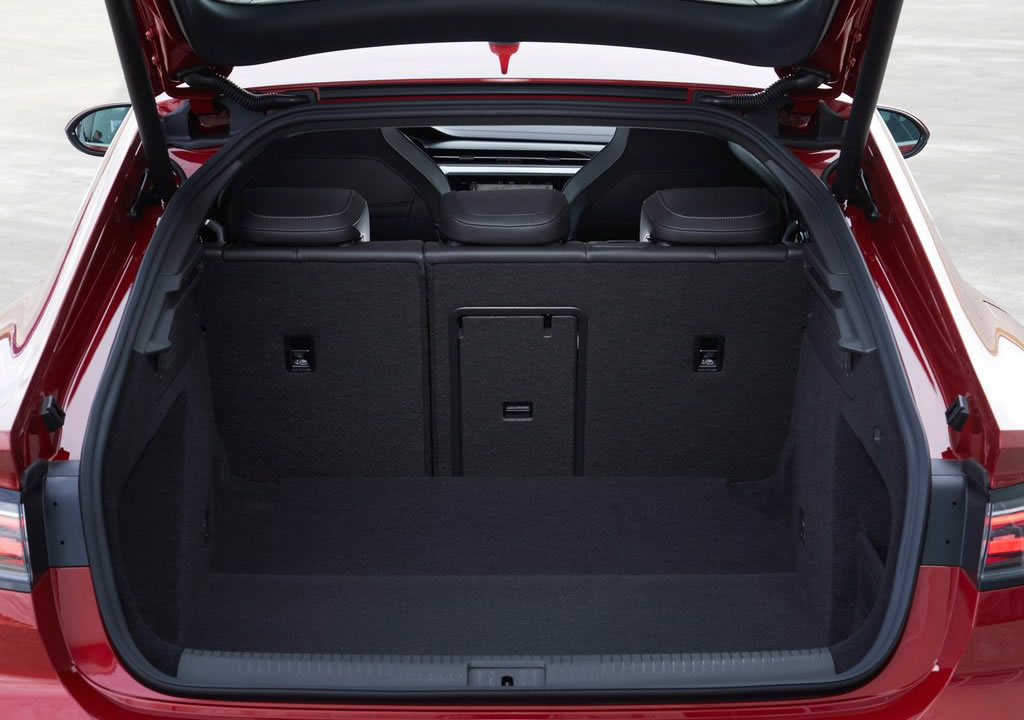 Makyajlı 2021 Volkswagen Arteon Bagaj Alanı