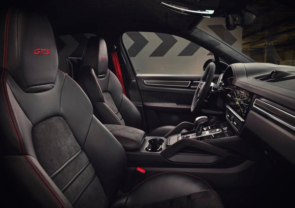 2020 Porsche Cayenne GTS İçi