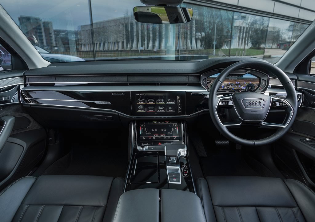 Yeni Audi A8 L 60 TFSI e Kokpiti