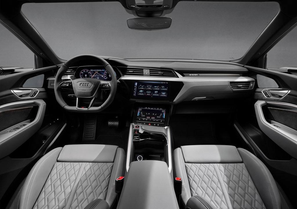 2021 Yeni Audi e-tron S Kokpiti