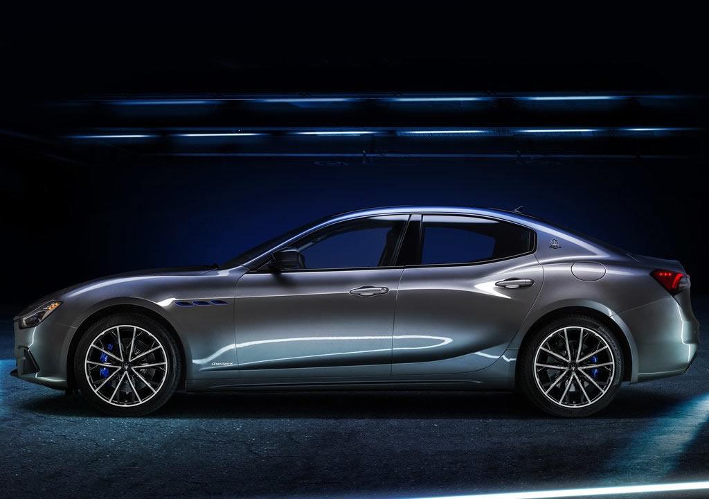 2021 Yeni Maserati Ghibli Hybrid