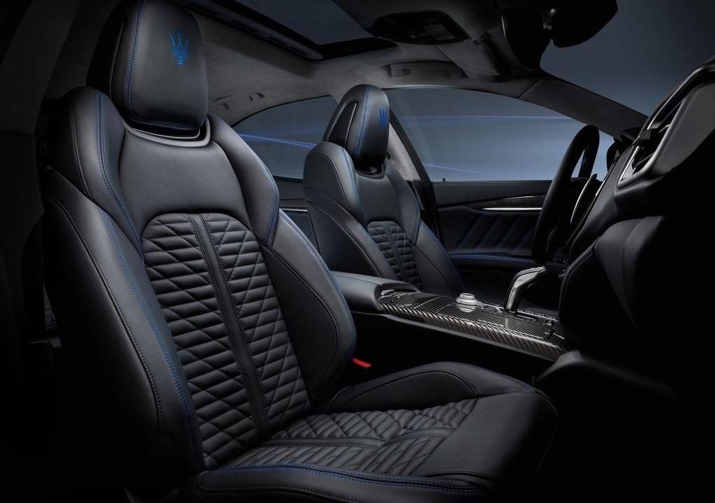 2021 Yeni Maserati Ghibli Hybrid İçi