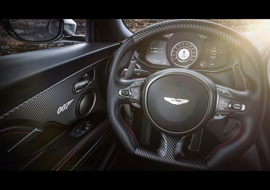 2021 Aston Martin DBS Superleggera 007 Edition Kokpiti