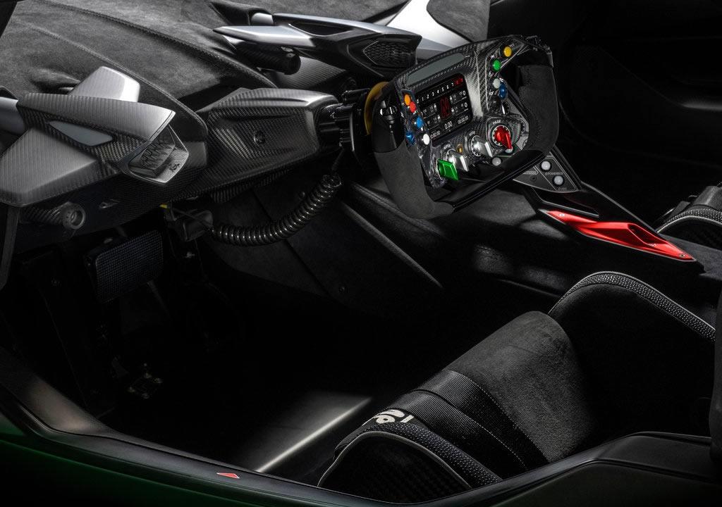 Yeni Lamborghini Essenza SCV12 İçi