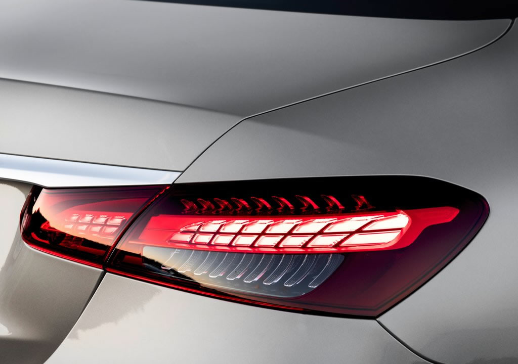 Makyajlı 2021 Mercedes E 220 dMakyajlı 2021 Mercedes E 200 d 1.6 Dizel Türkiye Fiyatı