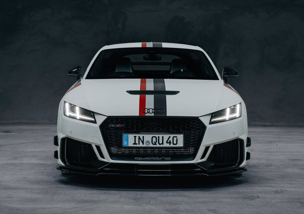 2020 Yeni Audi TT RS 40 Years of Quattro Edition Özellikleri