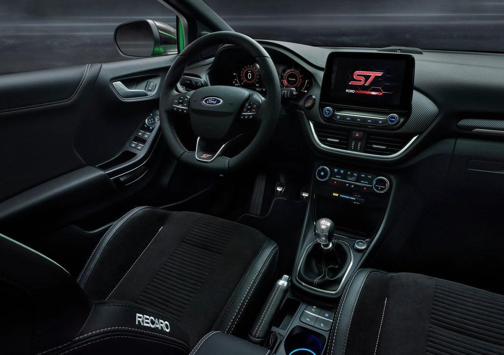 2021 Ford Puma ST İçi
