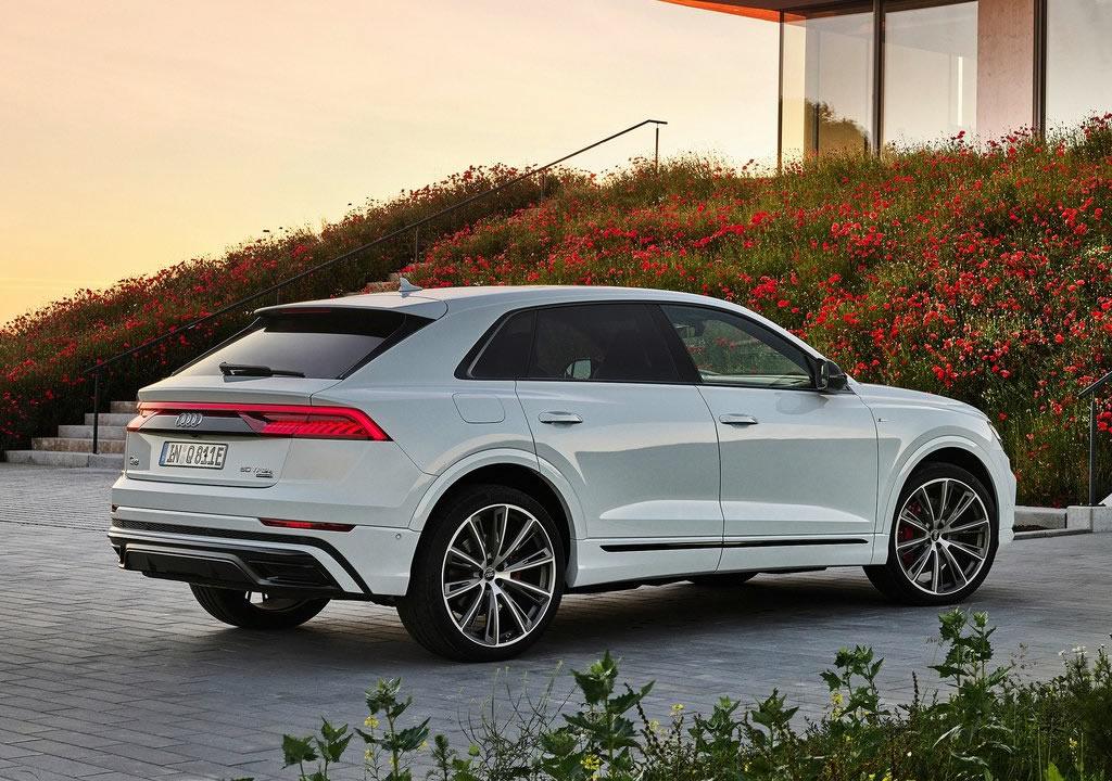2021 Yeni Audi Q8 TFSI e Quattro 0-100 km/s