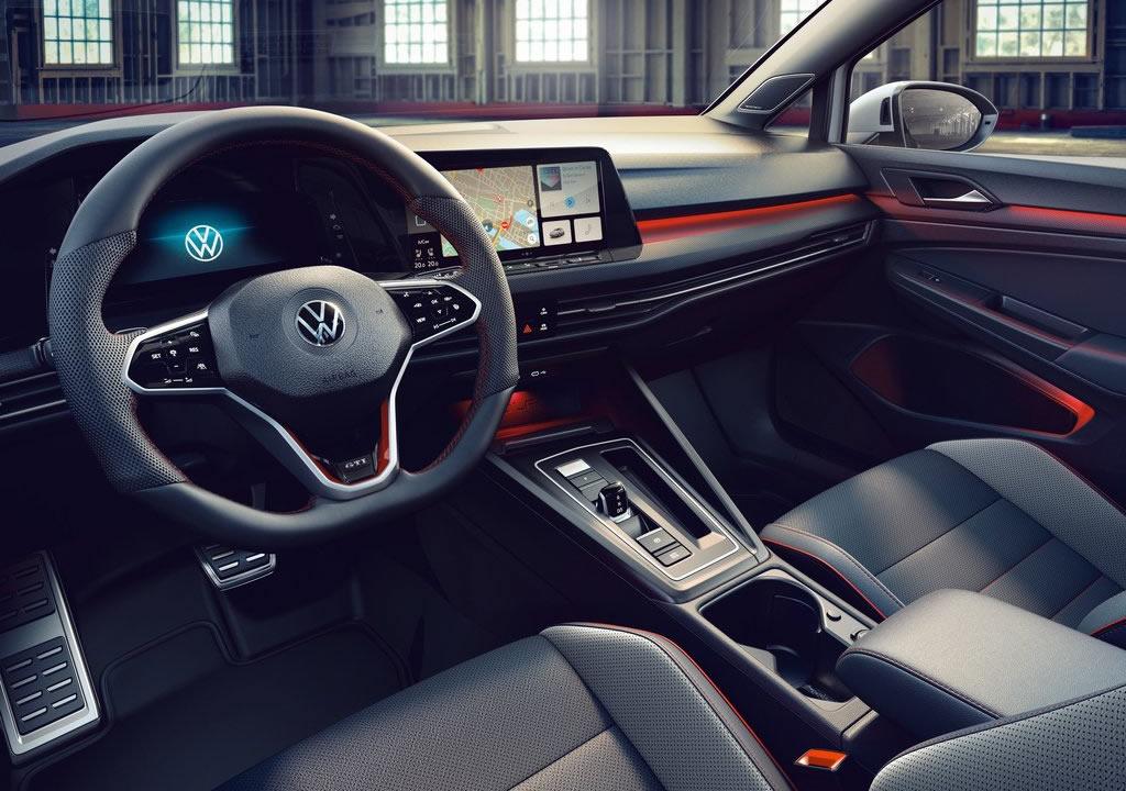 2021 Yeni Volkswagen Golf 8 GTI Clubsport Kokpiti