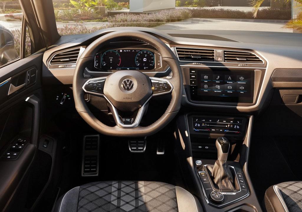 Makyajlı 2021 Yeni VW Tiguan Kokpiti