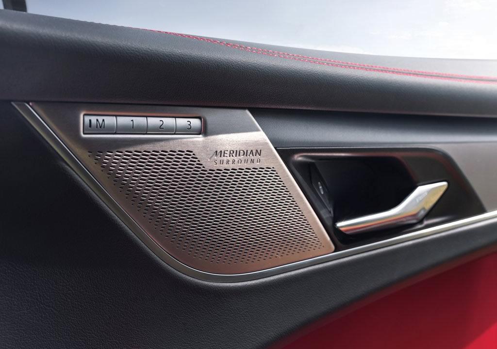 2021 Yeni Jaguar F-Pace İçi