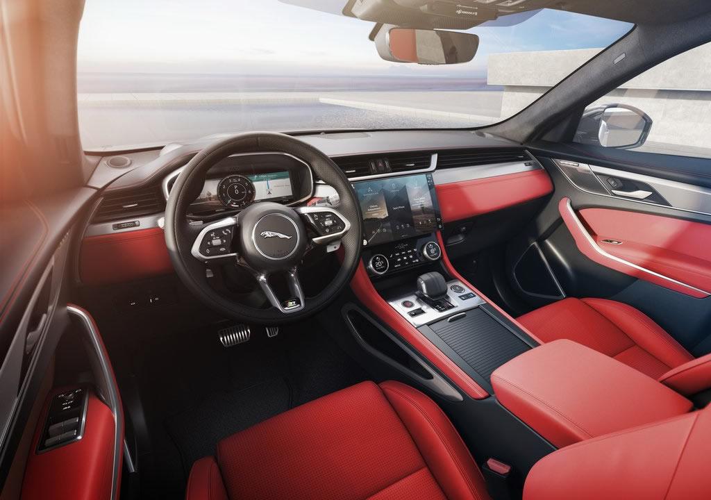 Makyajlı 2021 Jaguar F-Pace İçi