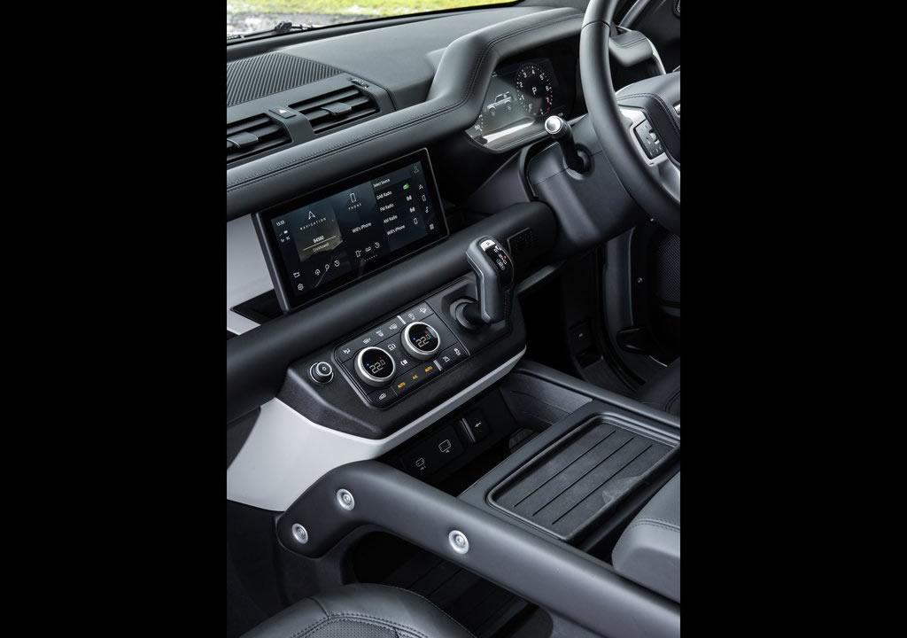 2021 Land Rover Defender 90 Kokpiti