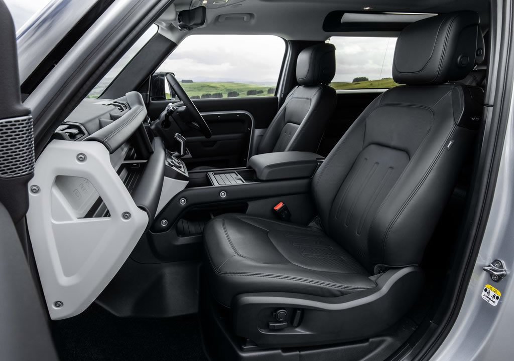 2021 Land Rover Defender 90 İçi