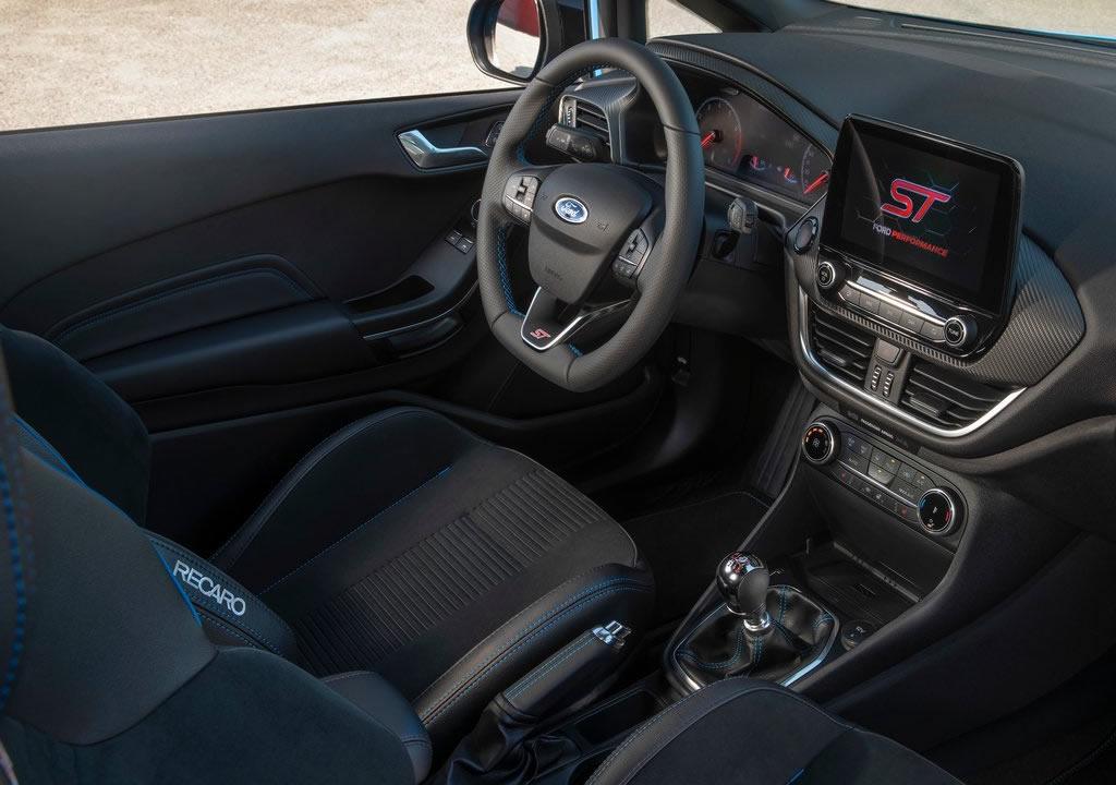 2020 Yeni Ford Fiesta ST Edition Kokpiti