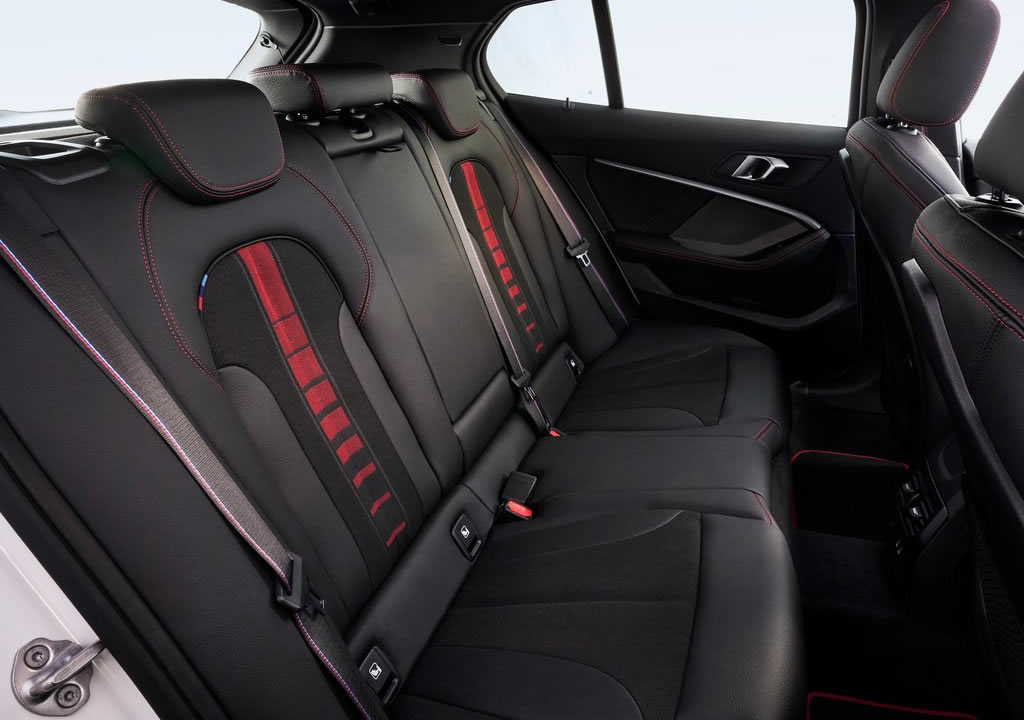 2021 Yeni BMW 128ti Diz Mesafesi