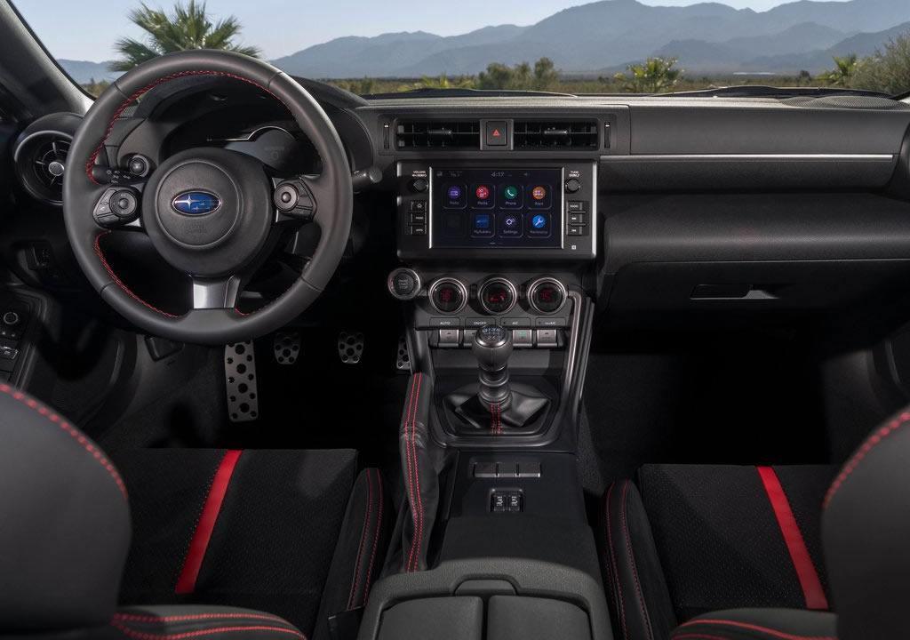 2022 Yeni Kasa Subaru BRZ Kokpiti