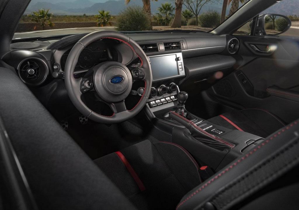 2022 Yeni Kasa Subaru BRZ İçi