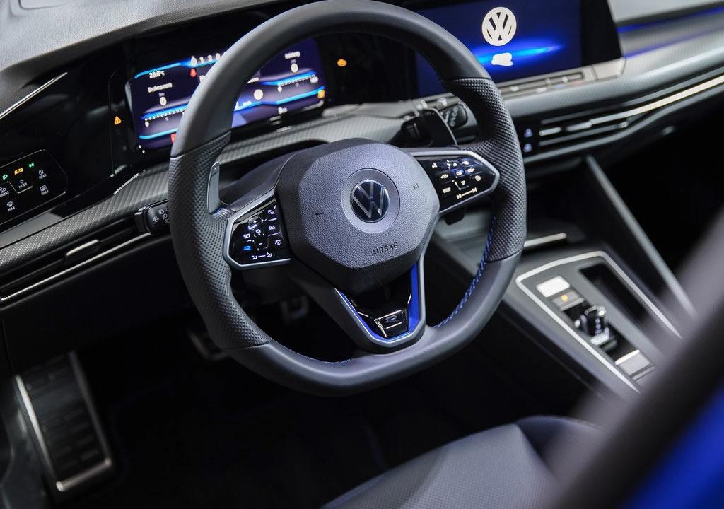 2022 Yeni Kasa Volkswagen Golf R İçi