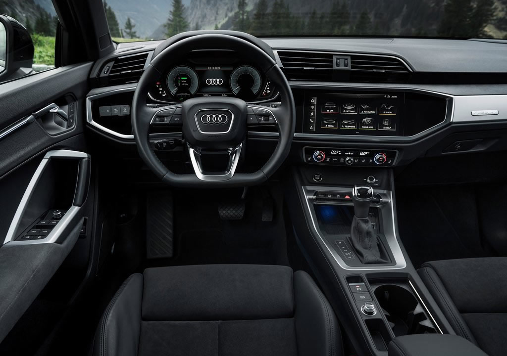 2021 Yeni Audi Q3 45 TFSI e Kokpiti