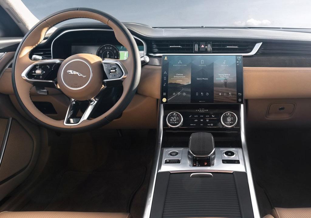 2021 Yeni Jaguar XF Sportbrake Kokpiti