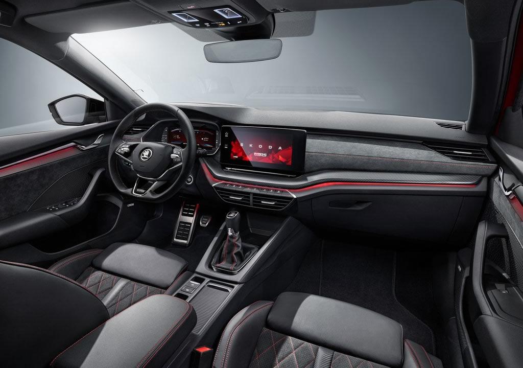 2021 Yeni Kasa Skoda Octavia RS İçi