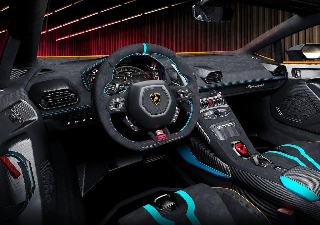 2021 Yeni Lamborghini Huracan STO Kokpiti