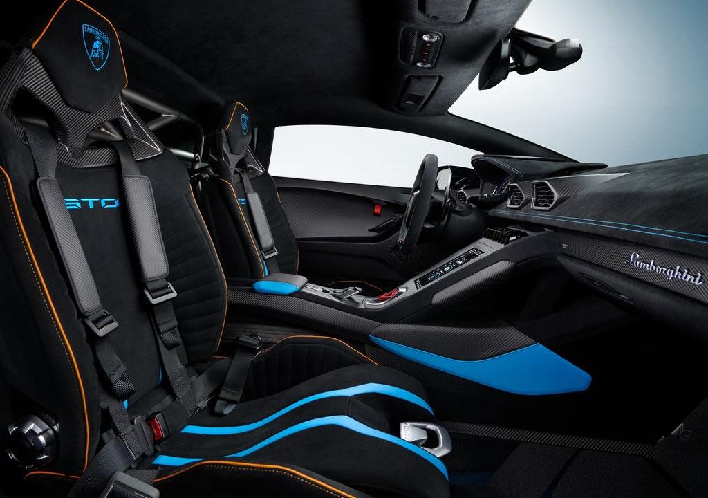 2021 Yeni Lamborghini Huracan STO İçi
