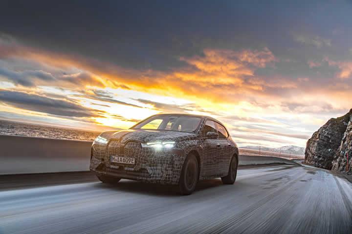 Yeni BMW iX Türkiye