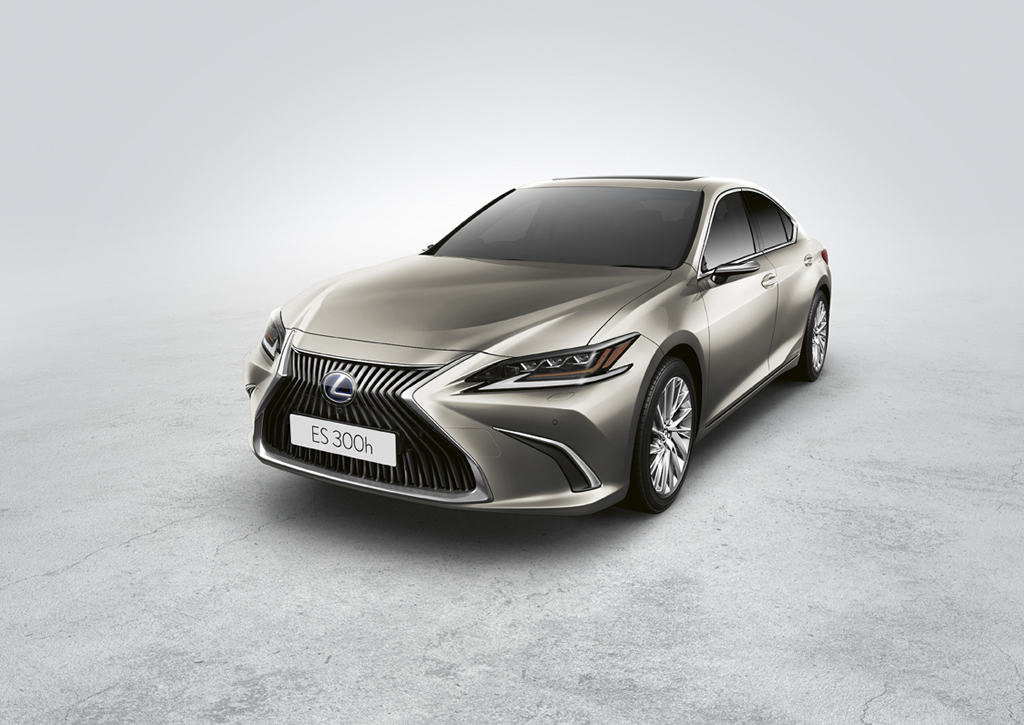 2021 Lexus ES 300h Exclusive
