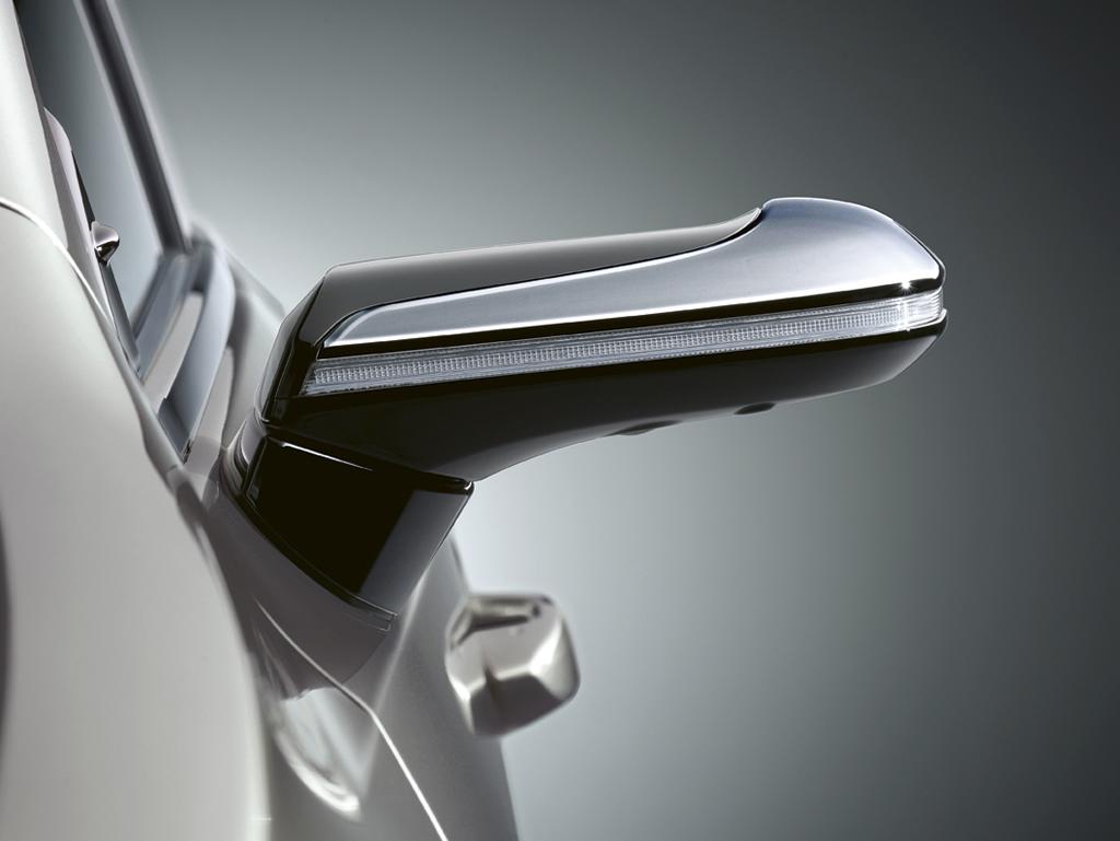 Dijital Aynalı Lexus ES 300h Exclusive