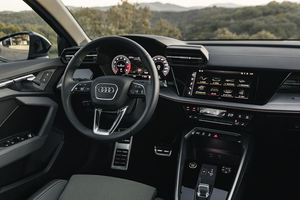 2021 Yeni Kasa Audi A3 Sedan Kokpiti