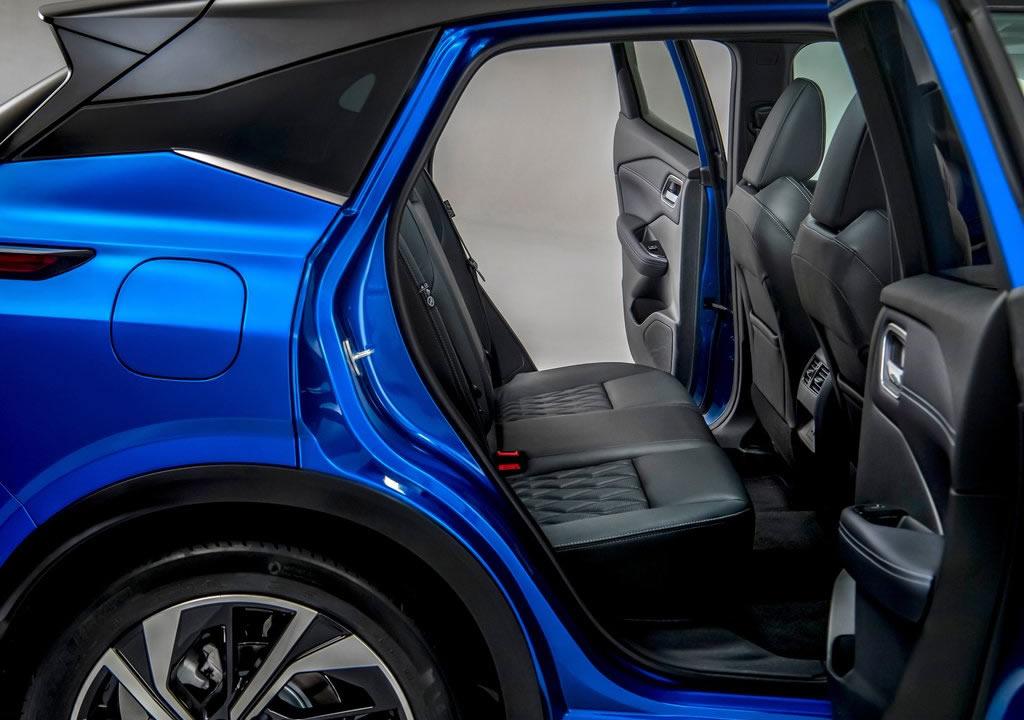 2022 Yeni Kasa Nissan Qashqai MK3 Diz Mesafesi