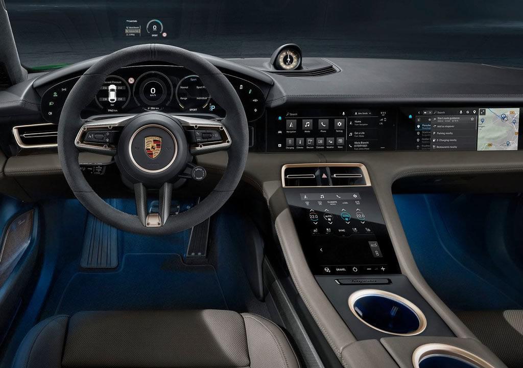2022 Porsche Taycan Turbo S Cross Turismo Kokpiti
