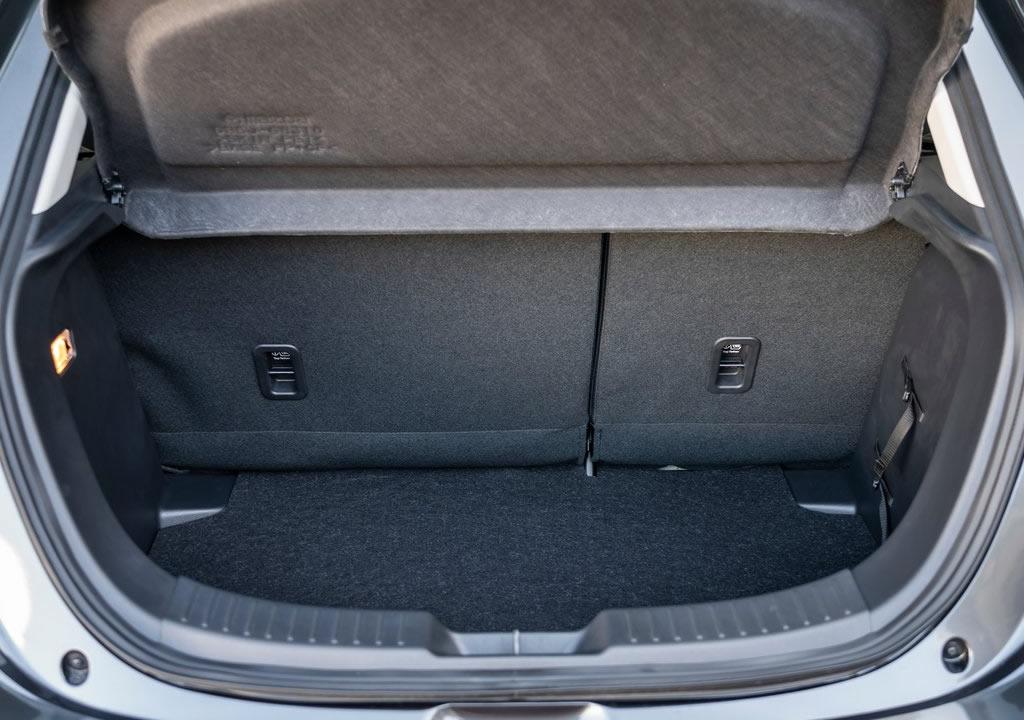 2021 Yeni Mazda 2 Bagaj Alanı
