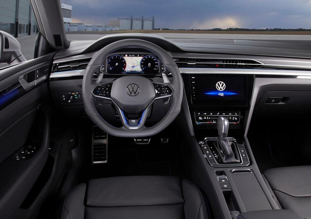 2021 Yeni Volkswagen Arteon R Kokpiti