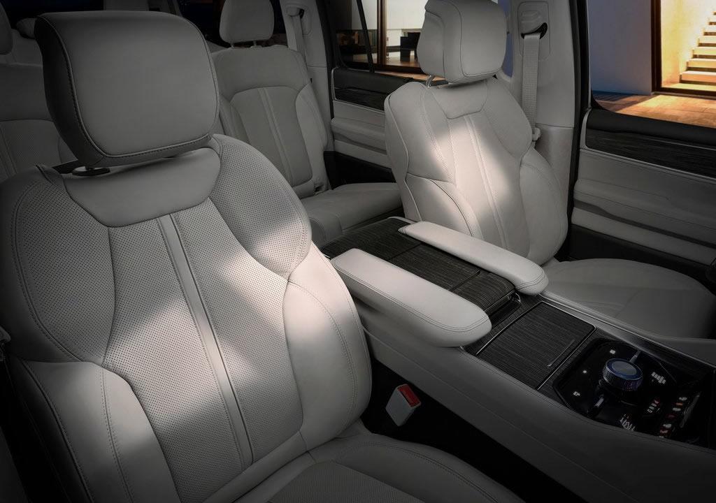 2022 Yeni Jeep Wagoneer İçi