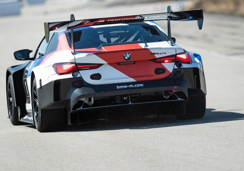 2022 BMW M4 GT3 Fotoğrafları