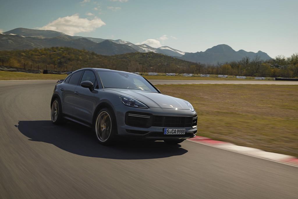 2022 Porsche Cayenne Turbo GT Fotoğrafları