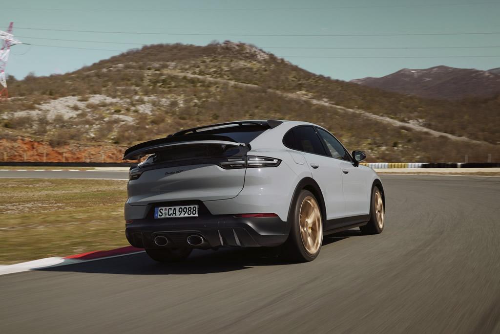 2022 Porsche Cayenne Turbo GT Donanımları